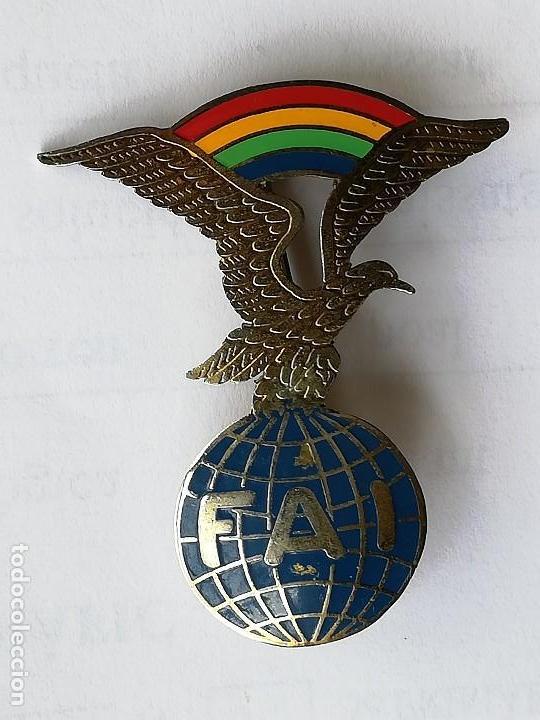 DISTINTIVO FAI BRIGADA PARACAIDISTA EJÉRCITO ESPAÑOL FEDERACIÓN AERONÁUTICA INTERNACIONAL (Militar - Insignias Militares Españolas y Pins)
