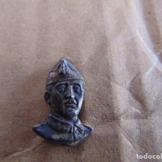 Militaria: PIN PINS DE ALFILER GUERRA CIVIL CABEZA BUSTO DE FRANCO DE FRENTE. Lote 119481727