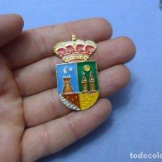 Militaria: * PLACA O INSIGNIA DE GORRA DE POLICIA DE BENIEL, ORIGINAL. ZX. Lote 120870751