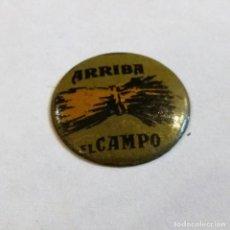 Militaria: AUXILIO SOCIAL, METAL ESMALTADO ARRIBA EL CAMPO Nº 9. Lote 121646523