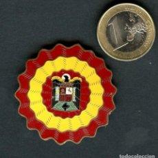 Militaria: GUERRA CIVIL POST, INSIGNIA POLÍTICA, ESTADO ESPAÑOL. Lote 121915547