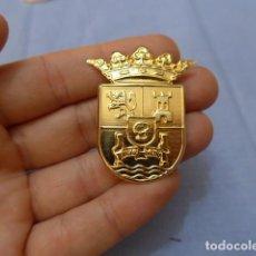 Militaria: * INSIGNIA DE GORRA DE POLICIA LOCAL, A IDENTIFICAR, ORIGINAL. ZX. Lote 122257819
