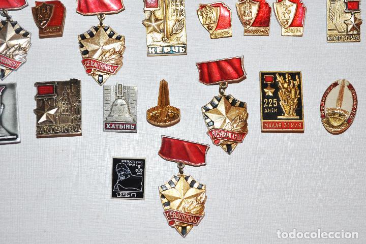 Militaria: Lote 24 insignias sovieticas .Tematica-siudades sovieticas.SGM.URSS - Foto 4 - 122531099