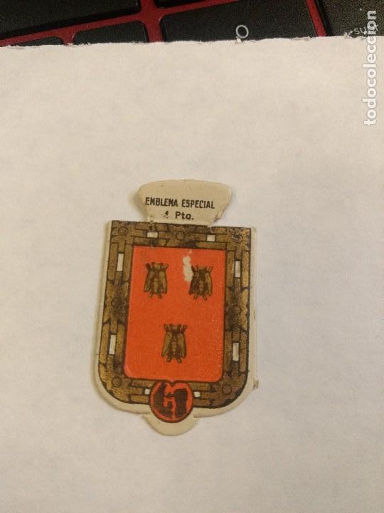 EMBLEMA AUXILIO SOCIAL DE SOLAPA SERIE B Nº 51 ABELLA ESPECIAL 1 PTS (Militar - Insignias Militares Españolas y Pins)