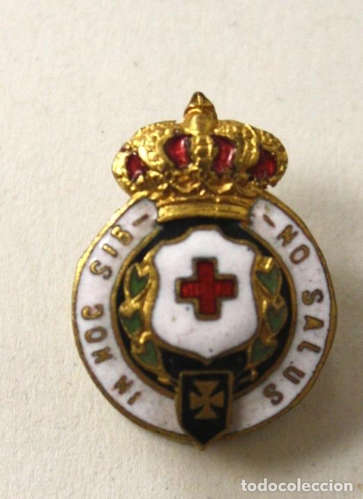 INSIGNIA PIN DE SOLAPA CRUZ ROJA IN HOC SIGNO SALUS (Militar - Insignias Militares Españolas y Pins)