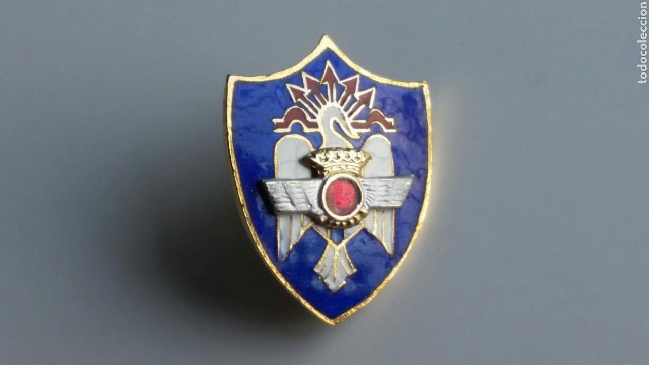 INSIGNIA PIN AVIACIÓN MILICIAS UNIVERSITARIAS ESMALTADA (Militar - Insignias Militares Españolas y Pins)