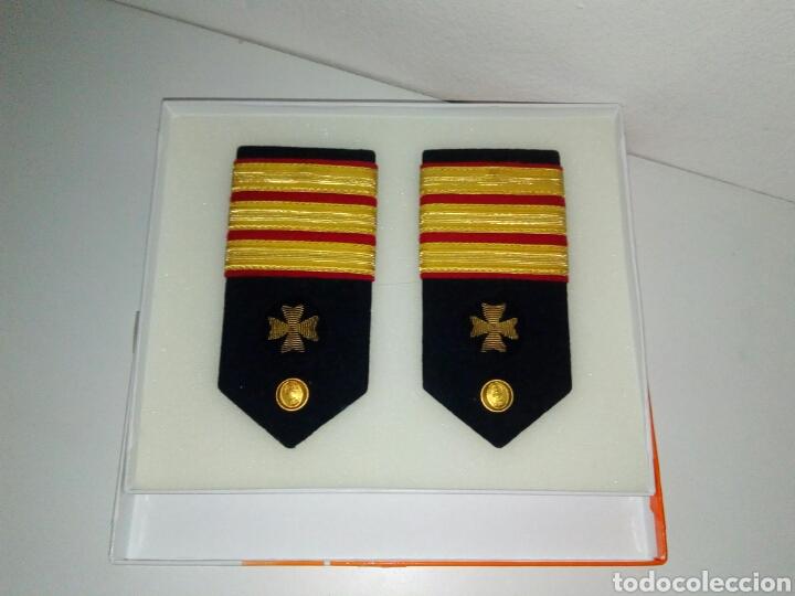 HOMBRERAS MILITAR NAVAL (Militar - Insignias Militares Españolas y Pins)