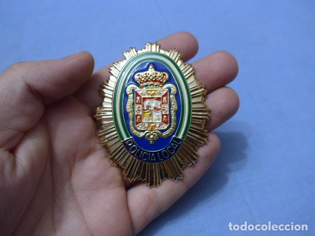 * PLACA DE POLICIA DE GRANADA, ANDALUCIA, ORIGINAL. ZX (Militar - Insignias Militares Españolas y Pins)