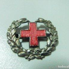 Militaria: INSIGNIA DIVISA EMBLEMA MILITAR CRUZ ROJA ESPAÑOLA - DISTINTIVO METAL ESPAÑA EJÉRCITO ESPAÑOL. Lote 133841822