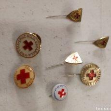 Militaria: LOTE PIN MEDALLAS DE LA CRUZ ROJA. Lote 137316301
