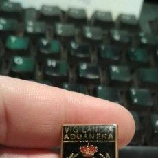 Militaria: PIN VIGILANCIA ADUANERA. Lote 139766242