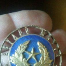 Militaria - Distintivo de Estado Mayor Central AÑOS 40 numerado en la parte trasera - 139949046