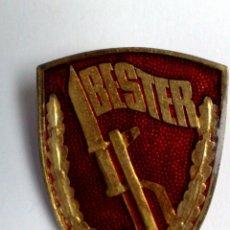 Militaria: CHAPA METALICA ESMALTADA-BESTER (4,5CM.X 3,5CM.) DESCRIPCIÓN. Lote 140594734