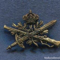 Militaria: INSIGNIA DE CUELLO DE CAZADORES DE MONTAÑA. ÉPOCA ALFONSO XIII.. Lote 178435620