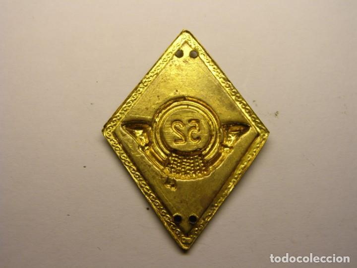Militaria: Insignia rombo del 52ª regimiento cazadores de montaña, España, años 50 - 60. - Foto 2 - 155321145