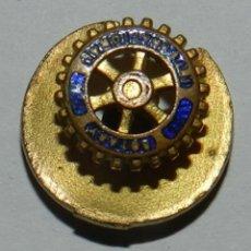 Militaria: ROTARY INTERNATIONAL LAPEL PIN, INSIGNIA METALICA ESMALTADA PARA SOLAPA.. Lote 144445682