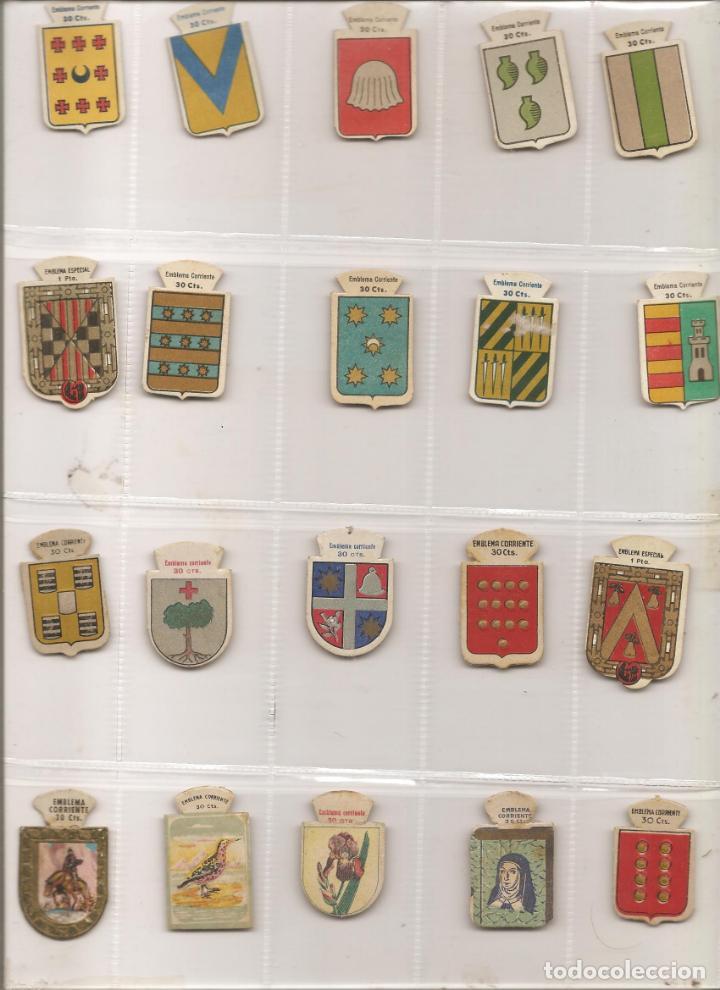 LOTE 20 EMBLEMAS DE AUXILIO SOCIAL-EMBLEMA CORRIENTE, DIFERENTES, VER FOTO Y DESCRIPCIÓN (Militar - Insignias Militares Españolas y Pins)