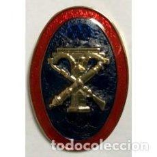 Militaria: DISTINTIVO OVALADO DE INGENIEROS CON ALFILER TRASERO. Lote 162806122
