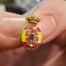 Militaria: ANTIGUO PIN INSIGNIA ESCUDO DE ESPAÑA ALFONSO XIII. Lote 147314958