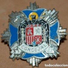 Militaria: INSIGNIA POLITICA EPOCA DE FRANCO DISTINTIVO DE CONCEJAL. Lote 148244674