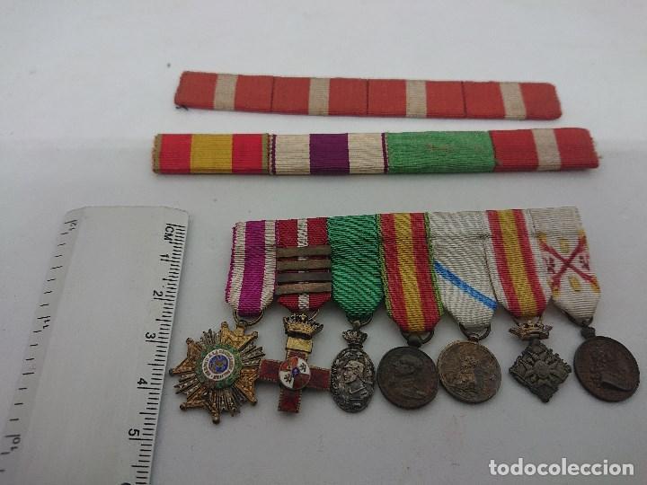 PASADOR CON SIETE CONDECORACIONES MILITARES PEQUEÑAS Y DOS PASADORES , MIRAR DESCRIPCION (Militar - Insignias Militares Españolas y Pins)
