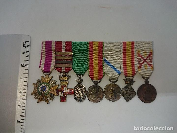 Militaria: Pasador con siete condecoraciones Militares pequeñas y dos pasadores , mirar descripcion - Foto 5 - 149763142