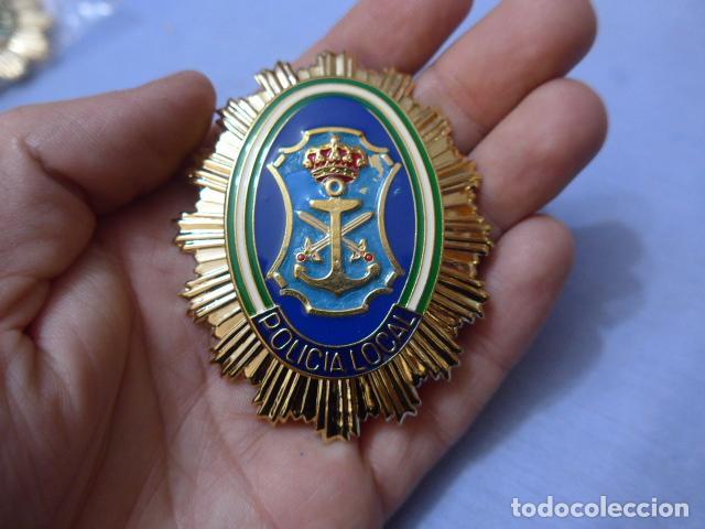 * PLACA DE POLICIA DE NERJA, ANDALUCIA, ORIGINAL. ZX (Militar - Insignias Militares Españolas y Pins)