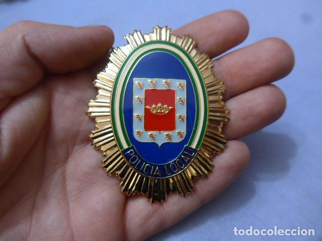 * PLACA DE POLICIA DE UBEDA, ANDALUCIA, ORIGINAL. ZX (Militar - Insignias Militares Españolas y Pins)