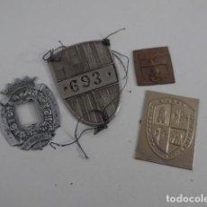 Militaria: LOTE 4 INSIGNIA DE POLICIA ANTIGUA, VARIEDAD. Lote 151518154
