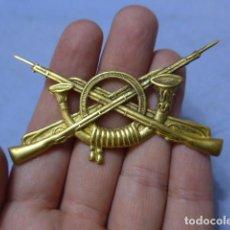 Militaria: * ANTIGUA INSIGNIA GRANDE DE INFANTERIA REPUBLICANA O ALFONSINA, PARA GORRA. ORIGINAL. ZX. Lote 151843386