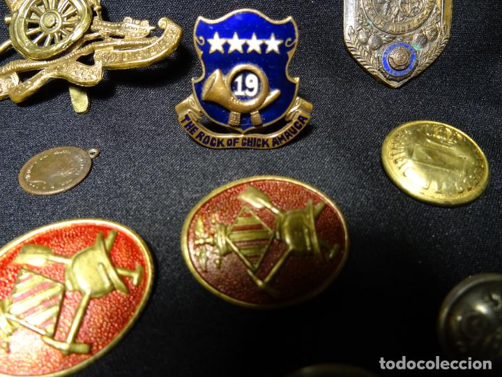 Militaria: Lote militar de 37 piezas: insignias, emblemas, parches, botones de España,Inglaterra,Francia, EE.UU - Foto 7 - 154139354