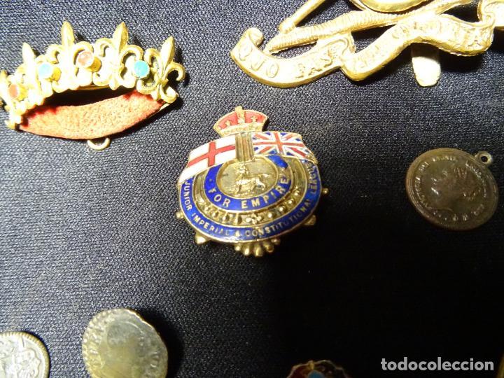 Militaria: Lote militar de 37 piezas: insignias, emblemas, parches, botones de España,Inglaterra,Francia, EE.UU - Foto 9 - 154139354