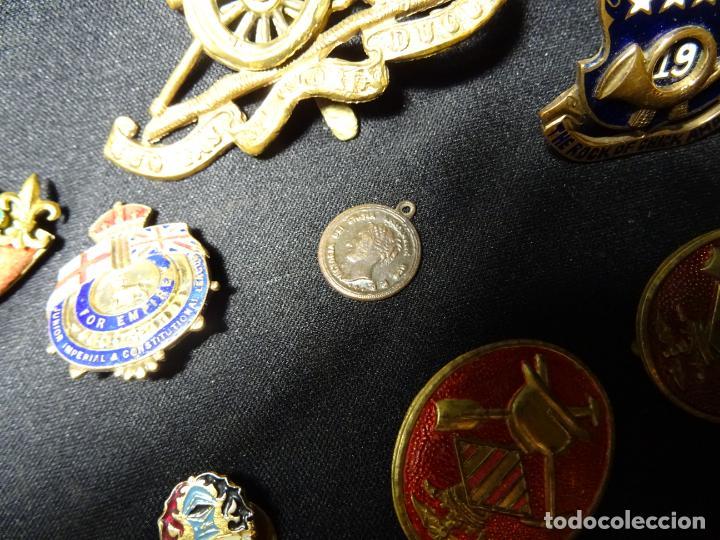 Militaria: Lote militar de 37 piezas: insignias, emblemas, parches, botones de España,Inglaterra,Francia, EE.UU - Foto 12 - 154139354