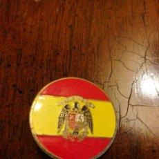 Militaria: INSIGNIA ESCUDO DE ESPAÑA. ÉPOCA DE FRANCO. Lote 154994294