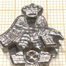 Militaria: PIN DE OJAL DE LA ACADEMIA DE AVIACION MILITAR ESPAÑOLA. Lote 155745382