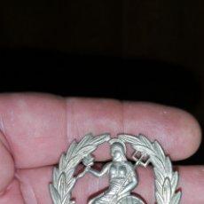 Militaria: ANTIGUA CHAPA O DISTINTIVO PARA GORRO DE NORFOLK REGIMENT. Lote 155788405