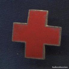 Militaria: INSIGNIA DE LA CRUZ ROJA ESPAÑOLA. ESMALTADA. 23 MM. ÉPOCA DE FRANCO.. Lote 156957110
