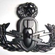 Militaria: INSIGNIA USA EOD NEGRA. Lote 157975202