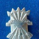 Militaria: PIN OJAL FALANGE - NUMERADO. Lote 160166278