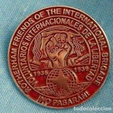 Militaria: PIN AMIGOS ROTHERHAM BRIGADAS INTERNACIONALES NO PASARAN 1936-1939 GUERRA CIVIL. Lote 160440850