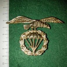 Militaria: INSIGNIA PARACAIDISTA BOINA. Lote 160590194