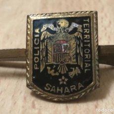 Militaria: ANTIGÜO Y ORIGINAL PASACORBATA , POLICIA TERRITORIAL SAHARA. Lote 160870790