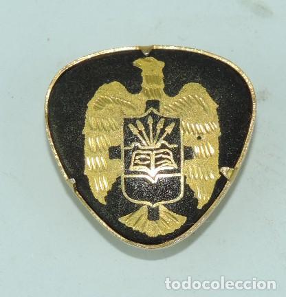 INSIGNIA DAMASQUINADA DE OJAL, AGUILA CON YUGO Y FLECHAS, FALANGE, MIDE 2 CMS. (Militar - Insignias Militares Españolas y Pins)