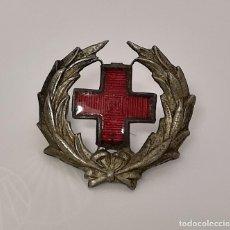 Militaria: INSIGNIA CRUZ ROJA ESPAÑOLA CON LAUREL.. Lote 166012958