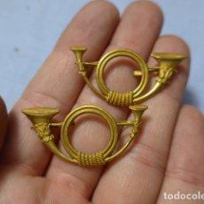 Militaria: * LOTE PAREJA ANTIGUAS INSIGNIA DE CAZADORES, ORIGINALES. ZX. Lote 166503826