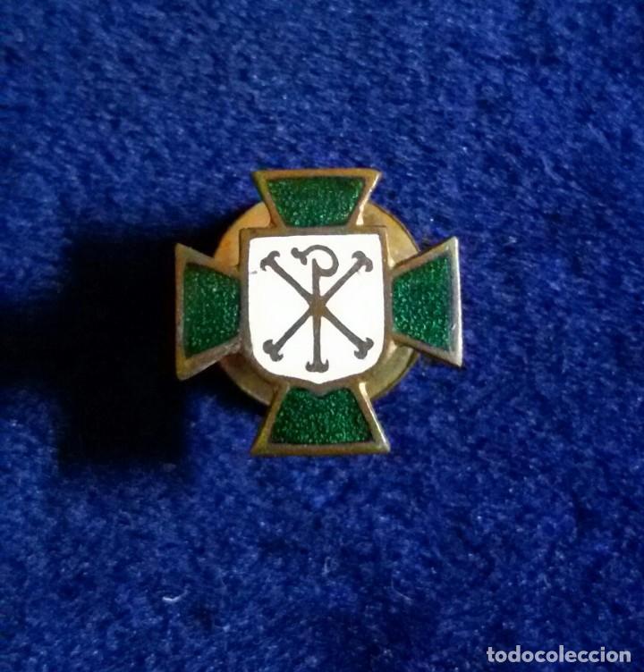 Antigua insignia pin de ojal o solapa accion ca - Sold at Auction