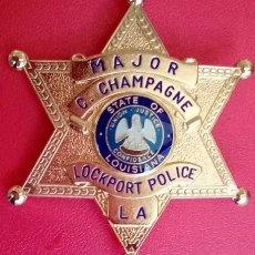 Militaria: INSIGNIA PLACA DE POLICIA AMERICANA TIPO SHERIFF ESTRELLA DEL ESTADO DE LOUISIANA MAJOR POLICE. Lote 166762032