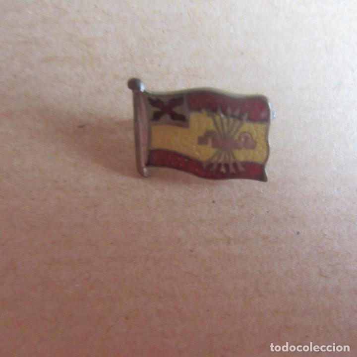 INSIGNIA CARLISTA REQUETE FALANGE GUERRA CIVIL (Militar - Insignias Militares Españolas y Pins)