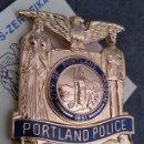 Militaria: INSIGNIA PLACA DE POLICIA AMERICANA POLICE DE PORTLAND Nº 261 DEL ESTADO DE OREGON CON CERTIFICADO. Lote 167279245