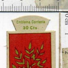 Militaria: EMBLEMA AUXILIO SOCIAL DE SOLAPA SERIE B Nº 256 COSTALES 30 CTS. Lote 167751424